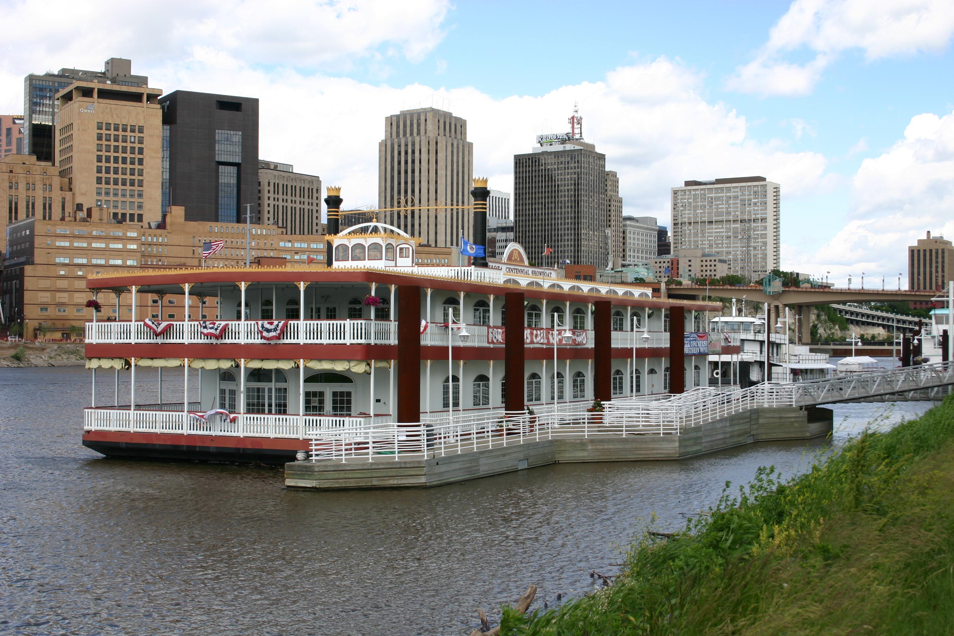 Saint Paul Riverboat