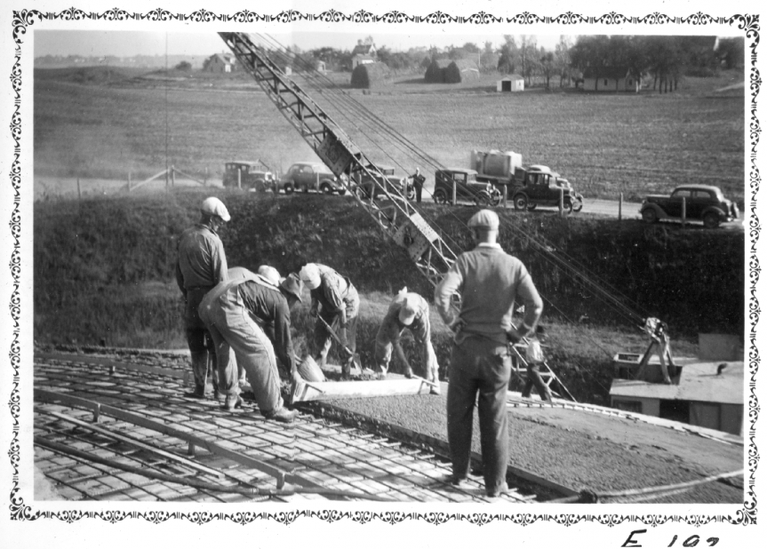 Black and white image of crews from 1938 pouring concrete to make round clarifier at Saint Paul Regional Water Services